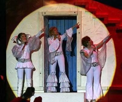 DANCING QUEEN..... EN FUENSALIDA 6.11.2010